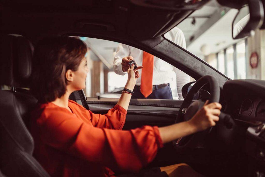 Hindari sewa mobil harian