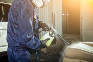 Gunakan metode uap untuk-bersihkan Jok Kulit